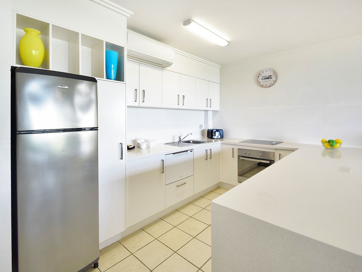 Fairshore Noosa 17 - Kitchen