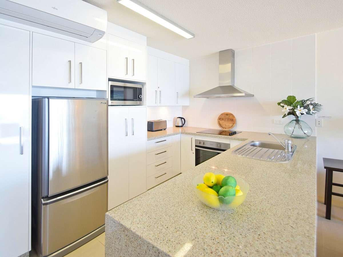 Fairshore Noosa 31 - Kitchen