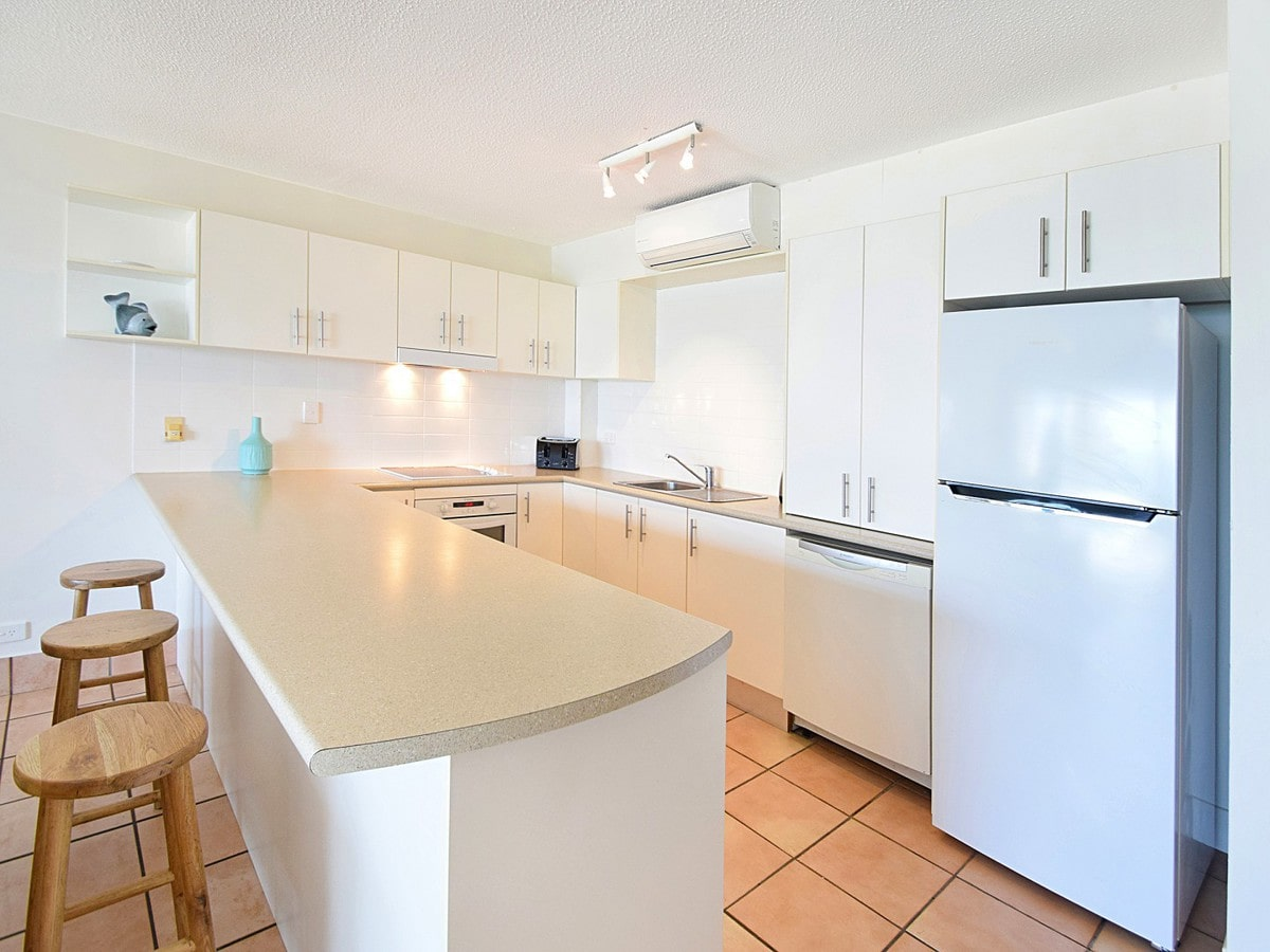 Fairshore Noosa 32 - Kitchen